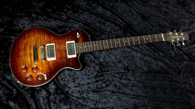 Flame maple Mojo in antique amber burst.