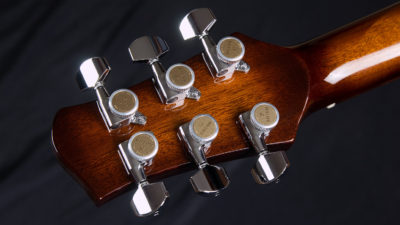 Mojo headstock with Gotoh MGT locking tuners.